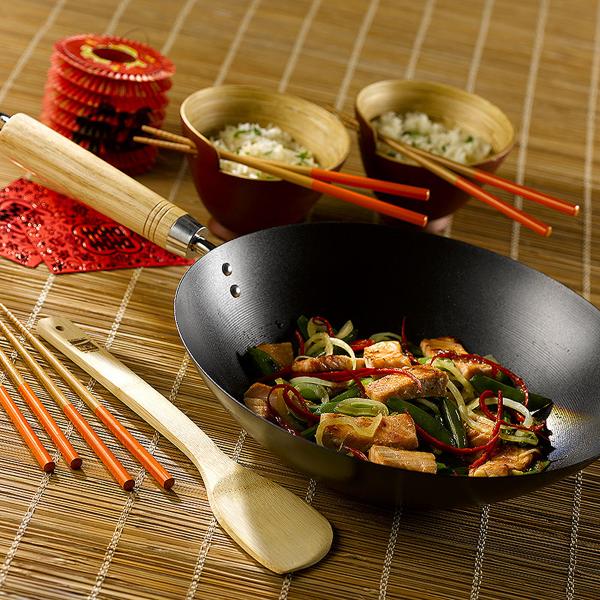 Chinese New Year at Lakeland Stir fry wok